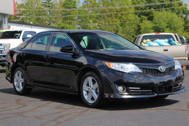 2012 Toyota Camry SE FWD - LEATHER INTERIOR - ONE OWNER! Mooresville , NC 20