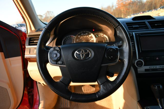2012 Toyota Camry XLE Naugatuck, Connecticut 9