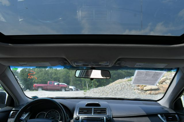 2012 Toyota Camry XLE Naugatuck, Connecticut 17