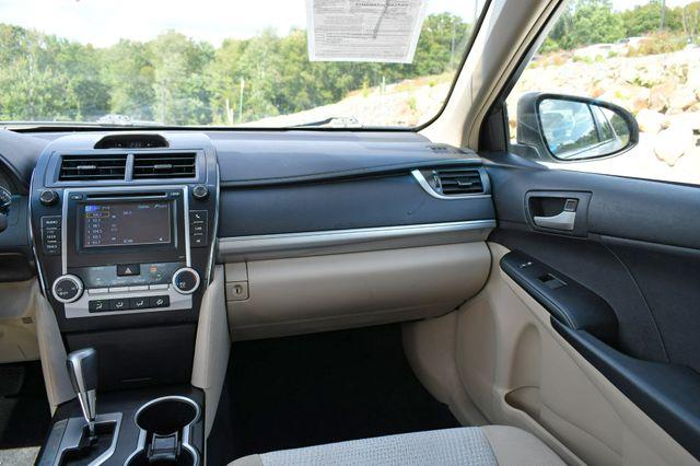 2012 Toyota Camry LE Naugatuck, Connecticut 17