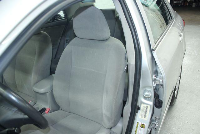 2012 Toyota Corolla LE Kensington, Maryland 17