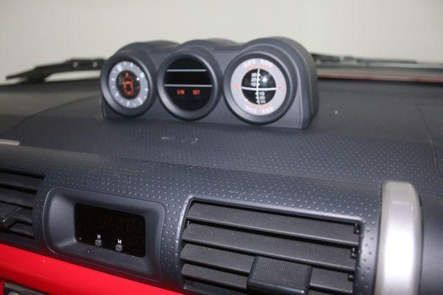 2012 Toyota FJ Cruiser Houston, Texas 32