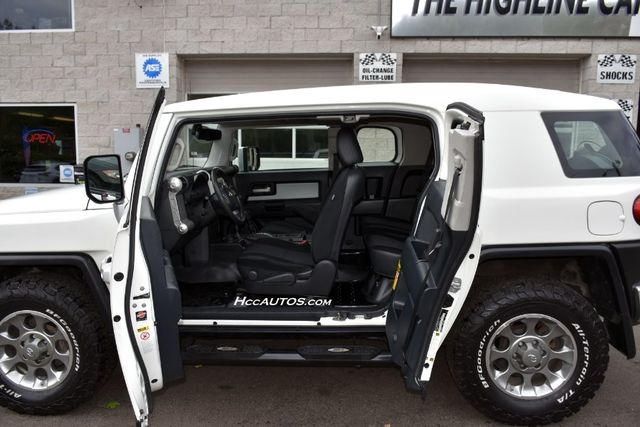 2012 Toyota FJ Cruiser 4WD 4dr Auto (Natl) Waterbury, Connecticut 13