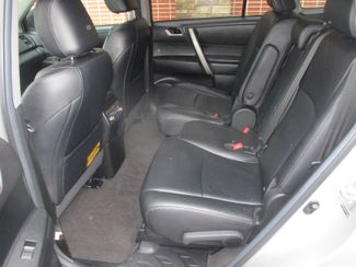 2012 Toyota Highlander SE Farmington, MN 3