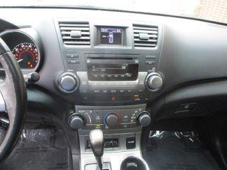 2012 Toyota Highlander SE Farmington, MN 6
