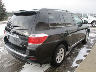 2012 Toyota Highlander SE Farmington, MN 1