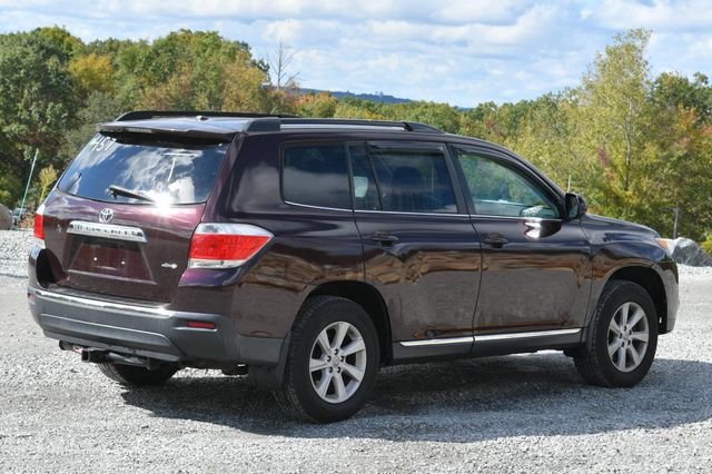 2012 Toyota Highlander SE Naugatuck, Connecticut 4