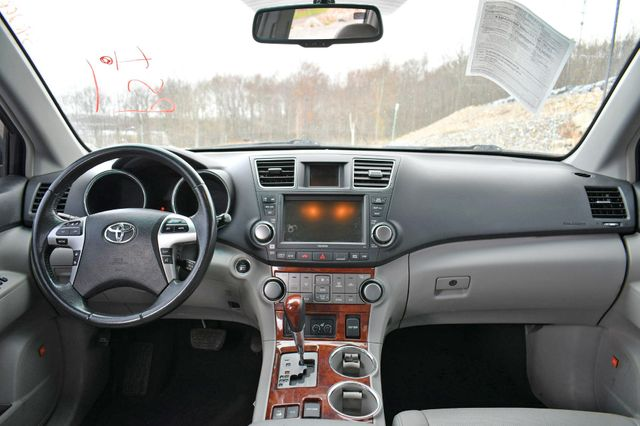 2012 Toyota Highlander Limited Naugatuck, Connecticut 19