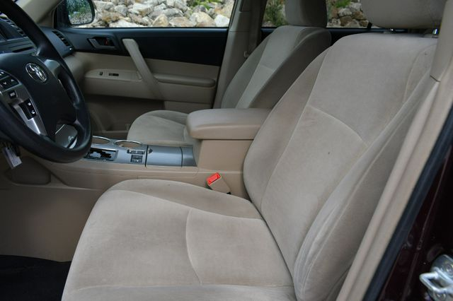 2012 Toyota Highlander 4WD Naugatuck, Connecticut 16