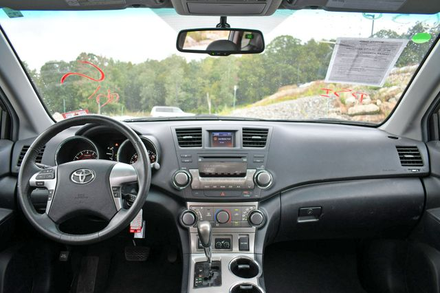 2012 Toyota Highlander SE 4WD Naugatuck, Connecticut 16
