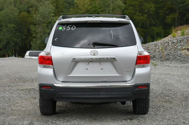 2012 Toyota Highlander SE 4WD Naugatuck, Connecticut 5