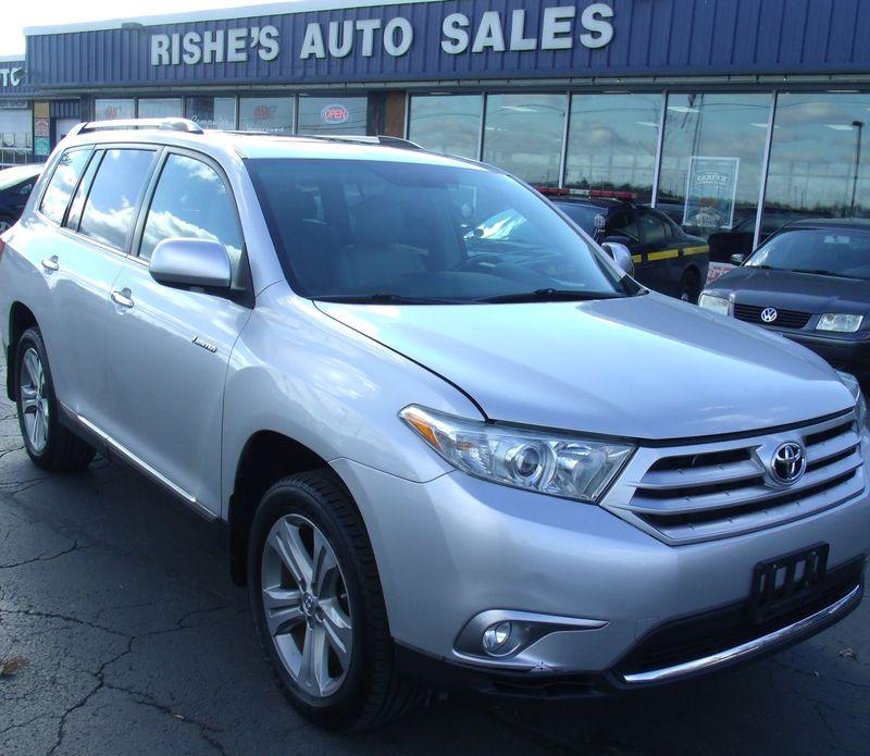 2012 Toyota Highlander Limited | Rishe's Import Center in Ogdensburg New York