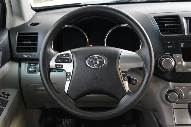 2012 Toyota Highlander 4WD Richmond, Virginia 12