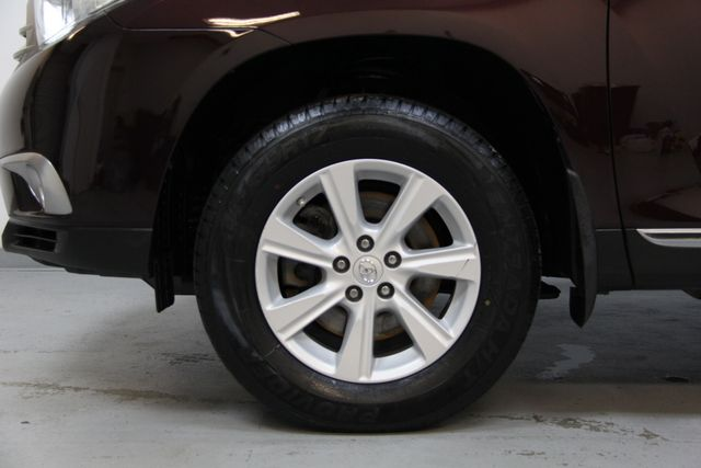 2012 Toyota Highlander 4WD Richmond, Virginia 36