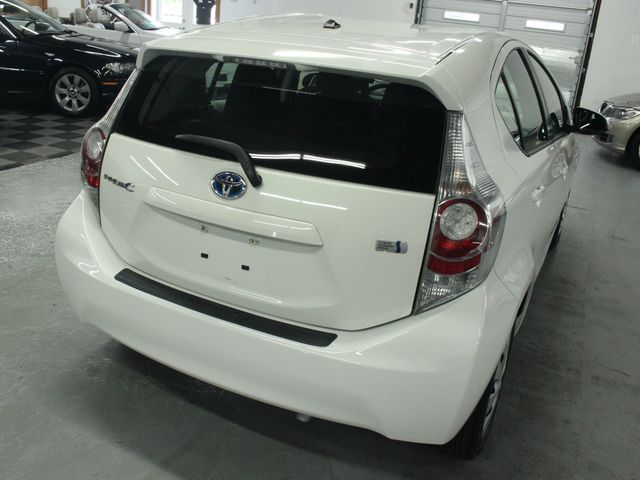 2012 Toyota Prius c Two Kensington, Maryland 11