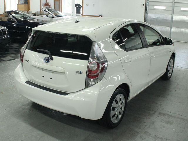 2012 Toyota Prius c Two Kensington, Maryland 4
