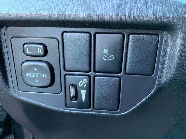 2012 Toyota Prius III - Loaded 3 MONTH/3,000 MILE NATIONAL POWERTRAIN WARRANTY Mesa, Arizona 16