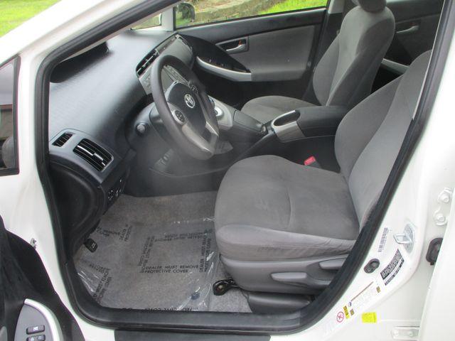 2012 Toyota Prius Plug-In Farmington, MN 3