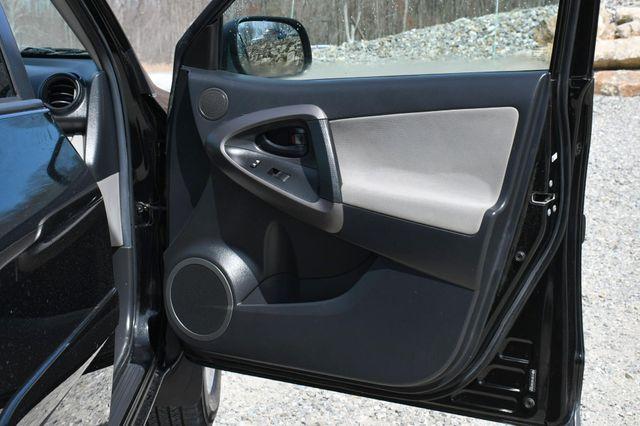 2012 Toyota RAV4 4WD Naugatuck, Connecticut 10