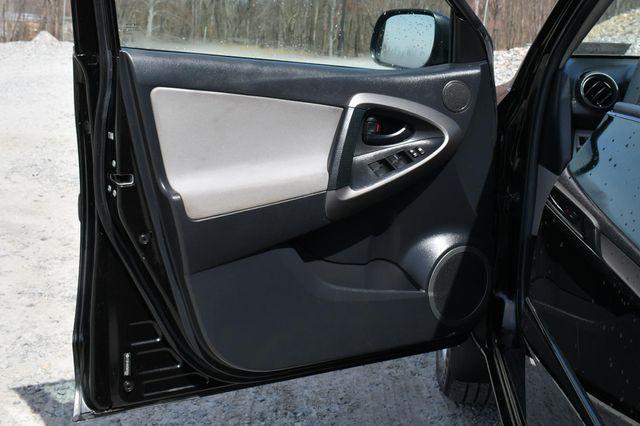 2012 Toyota RAV4 4WD Naugatuck, Connecticut 17