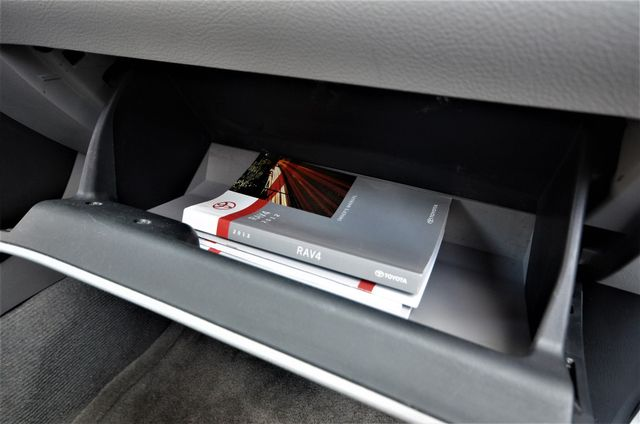 2012 Toyota RAV4 4WD Reseda, CA 32