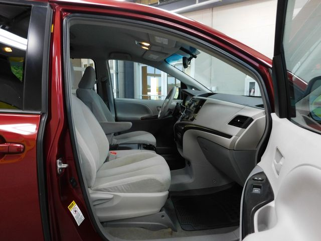 2012 Toyota Sienna LE in Airport Motor Mile ( Metro Knoxville ), TN 37777