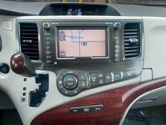 2012 Toyota Sienna Ltd AWD Farmington, MN 12