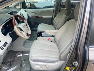 2012 Toyota Sienna Ltd AWD Farmington, MN 5