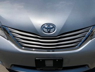 2012 Toyota Sienna XLE Knoxville , Tennessee 6