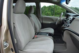 2012 Toyota Sienna LE Naugatuck, Connecticut 10