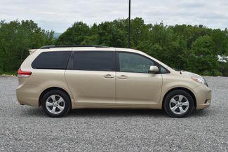 2012 Toyota Sienna LE Naugatuck, Connecticut 5