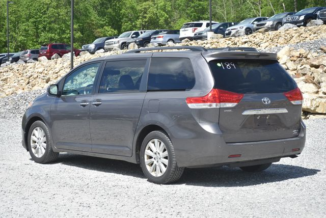 2012 Toyota Sienna Limited Naugatuck, Connecticut 2