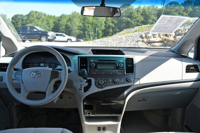 2012 Toyota Sienna LE Naugatuck, Connecticut 18