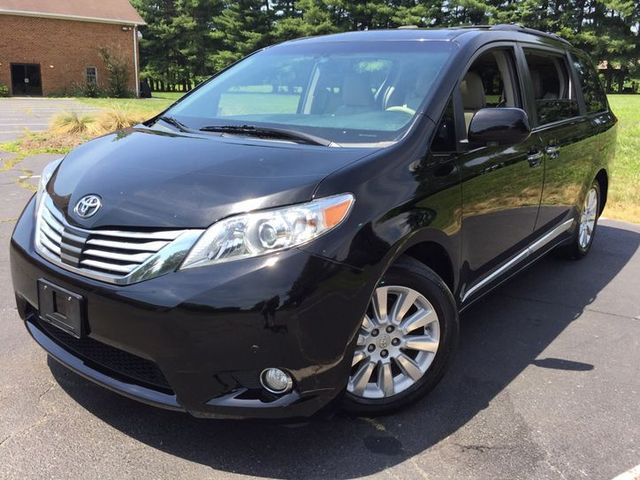 2012 Toyota Sienna XLE in Sterling, VA 20166