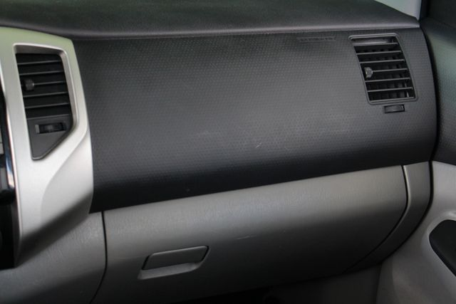 2012 Toyota Tacoma PreRunner Mooresville , NC 4