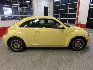 2012 Volkswagen Beetle 2.5L BEAUTY! LOW LOW  MILES!~ LIKE NEW!~ Saint Louis Park, MN 1