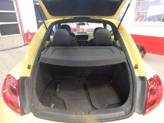 2012 Volkswagen Beetle 2.5L BEAUTY! LOW LOW  MILES!~ LIKE NEW!~ Saint Louis Park, MN 5