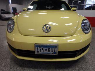 2012 Volkswagen Beetle 2.5L BEAUTY! LOW LOW  MILES!~ LIKE NEW!~ Saint Louis Park, MN 22