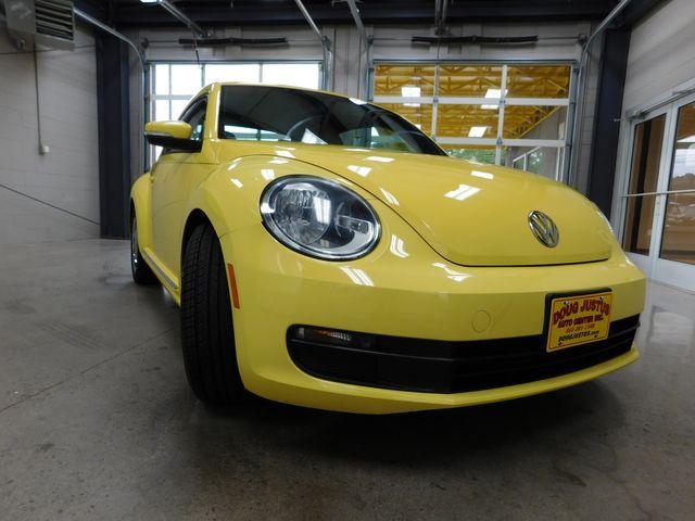2012 Volkswagen Beetle 2.5L PZEV in Airport Motor Mile ( Metro Knoxville ), TN 37777