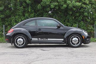 2012 Volkswagen Beetle 2.5L PZEV Hollywood, Florida 3