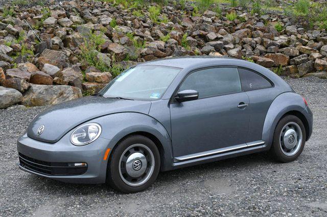 2012 Volkswagen Beetle 2.5L PZEV Naugatuck, Connecticut 2