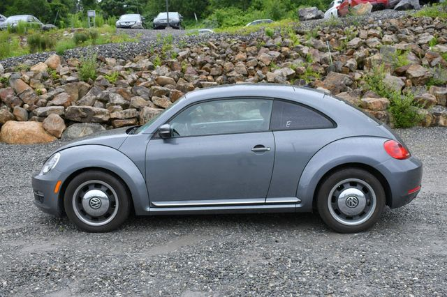 2012 Volkswagen Beetle 2.5L PZEV Naugatuck, Connecticut 3