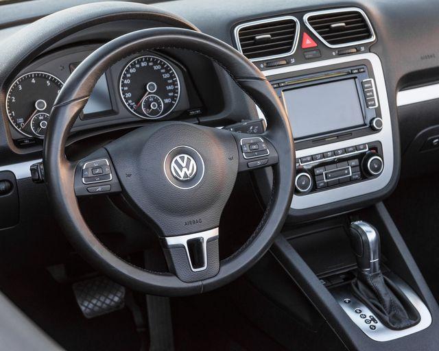 2012 Volkswagen Eos Komfort Burbank, CA 19