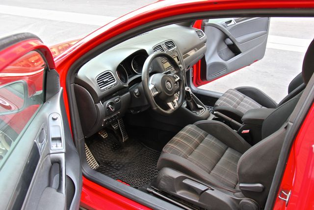 2012 Volkswagen GTI PZEV Reseda, CA 25