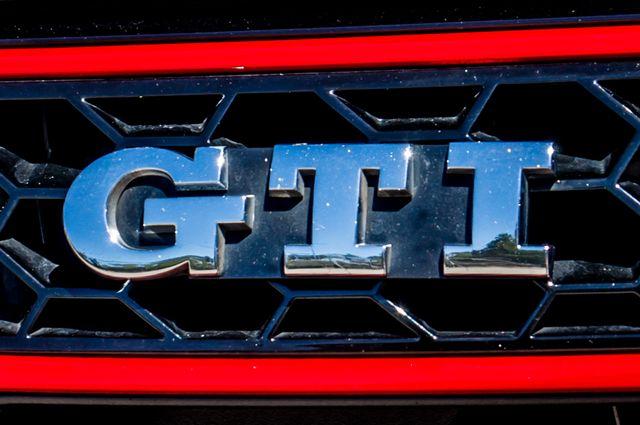 2012 Volkswagen GTI PZEV Reseda, CA 43