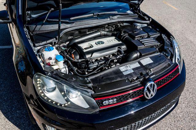 2012 Volkswagen GTI w/Sunroof & Navi PZEV Reseda, CA 40