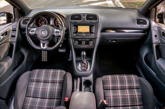 2012 Volkswagen GTI w/Sunroof & Navi PZEV Reseda, CA 19