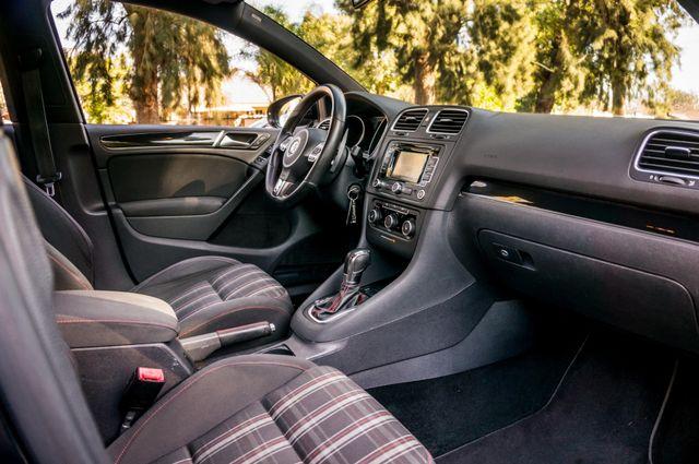 2012 Volkswagen GTI w/Sunroof & Navi PZEV Reseda, CA 35