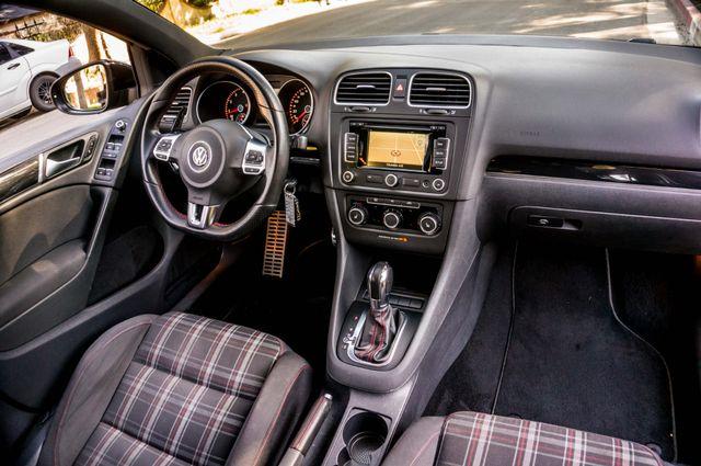 2012 Volkswagen GTI w/Sunroof & Navi PZEV Reseda, CA 36