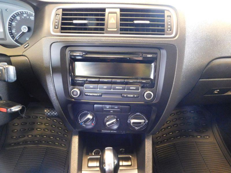 2012 Volkswagen Jetta SE PZEV  city TN  Doug Justus Auto Center Inc  in Airport Motor Mile ( Metro Knoxville ), TN